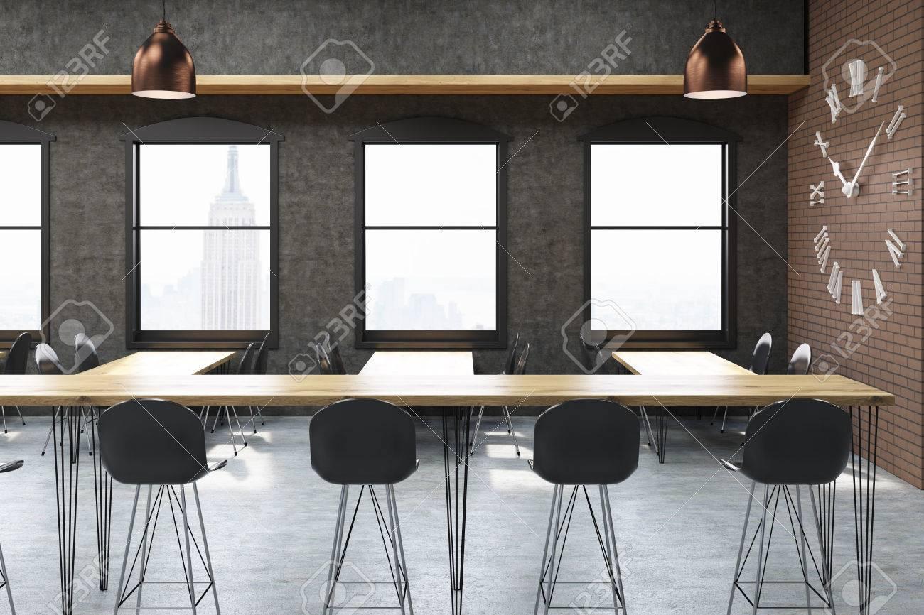 banque d images new york city d interieur bar avec tabourets tables etroites et grande horloge sur le mur de briques concept de la culture de bar rendu