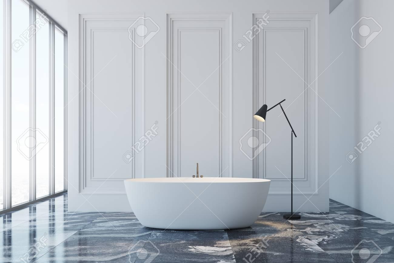 interieur de salle de bain blanc avec un sol en marbre noir une fenetre panoramique et une baignoire blanche maquette 3d