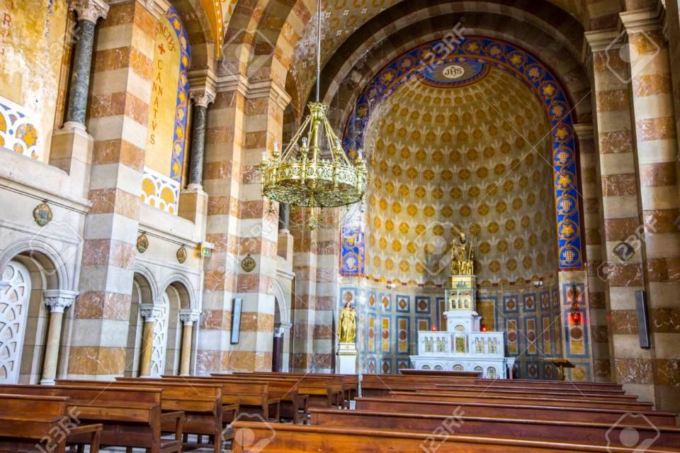 Catedral De Marsella (Cathédrale Sainte-Marie-Majeure O Cathédrale ...