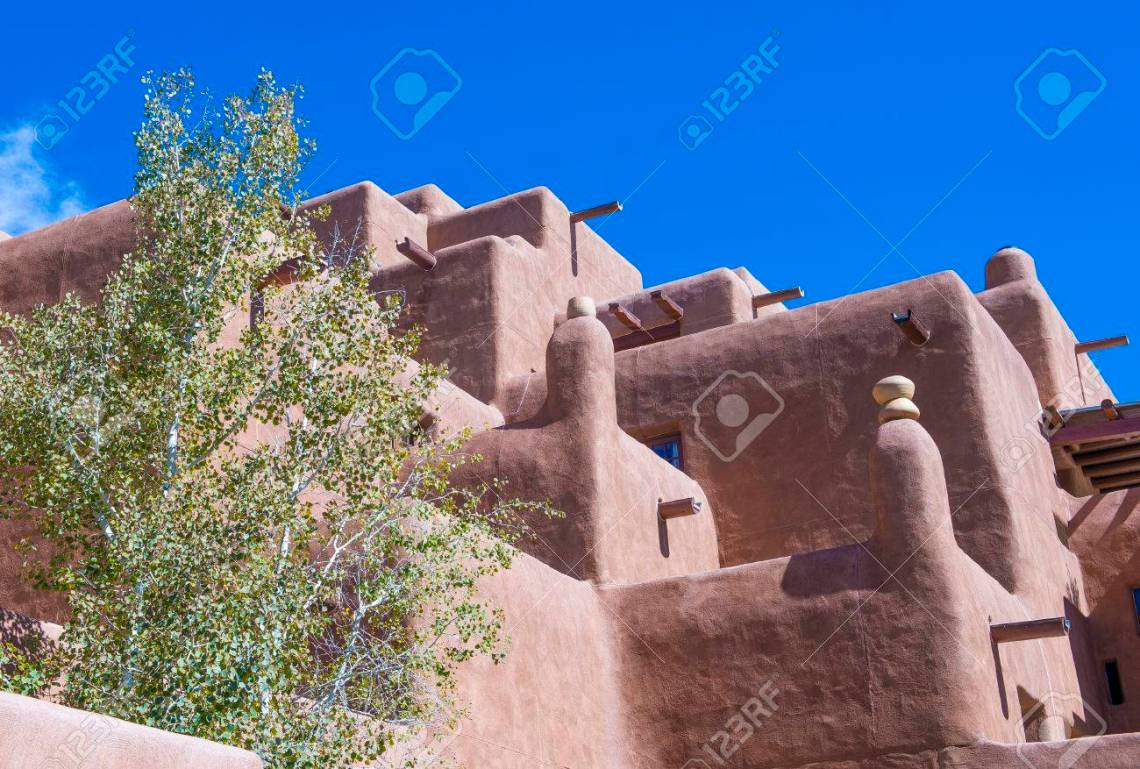 Santa Fe New Mexico Oct 10 Traditional Adobe Architecture In Santa Fe New Mexico On October 10 2014 Adobe Architecture Is Very Common In The Us Southwest Stock