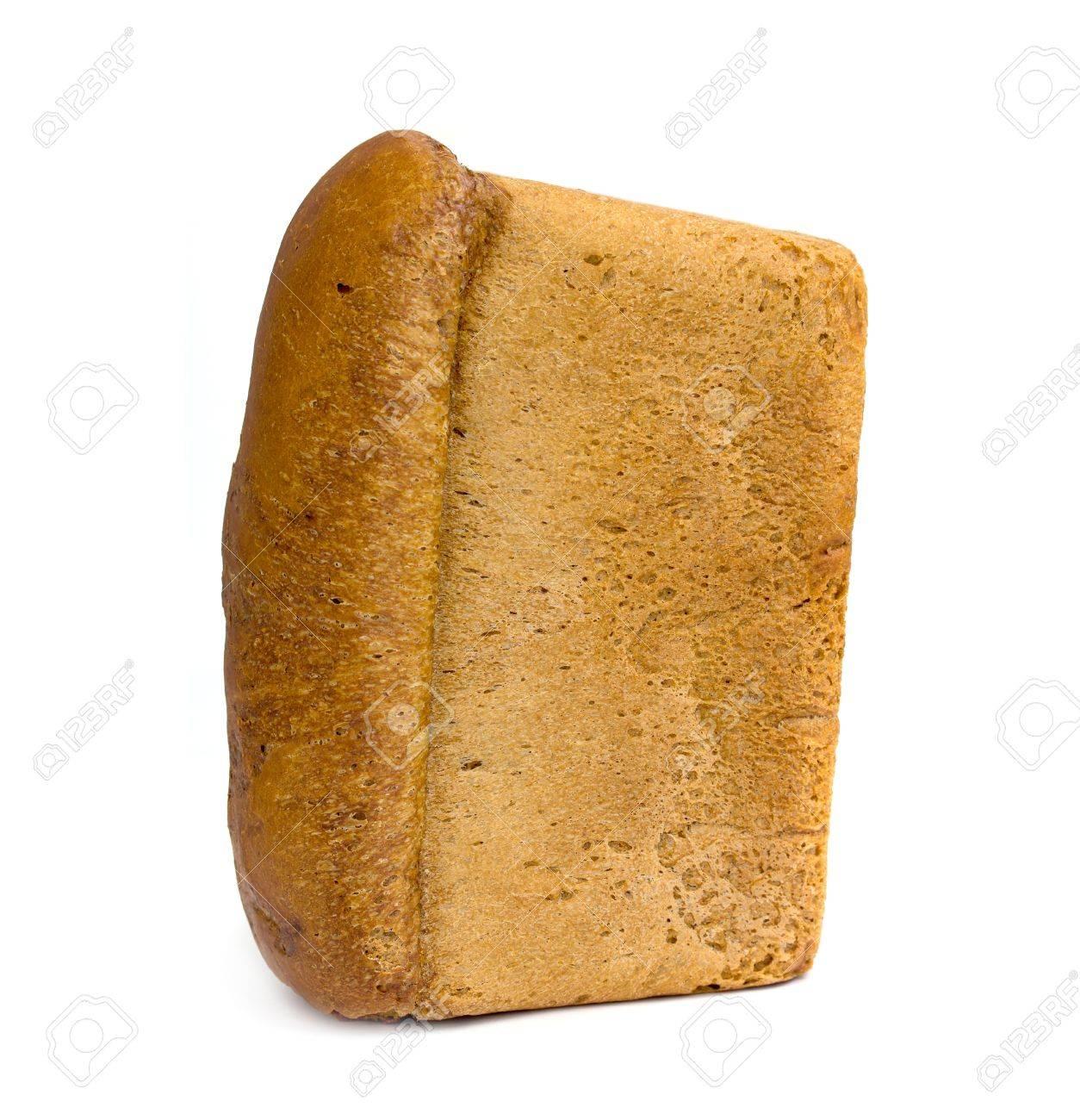 brique de pain de pain isole sur fond blanc