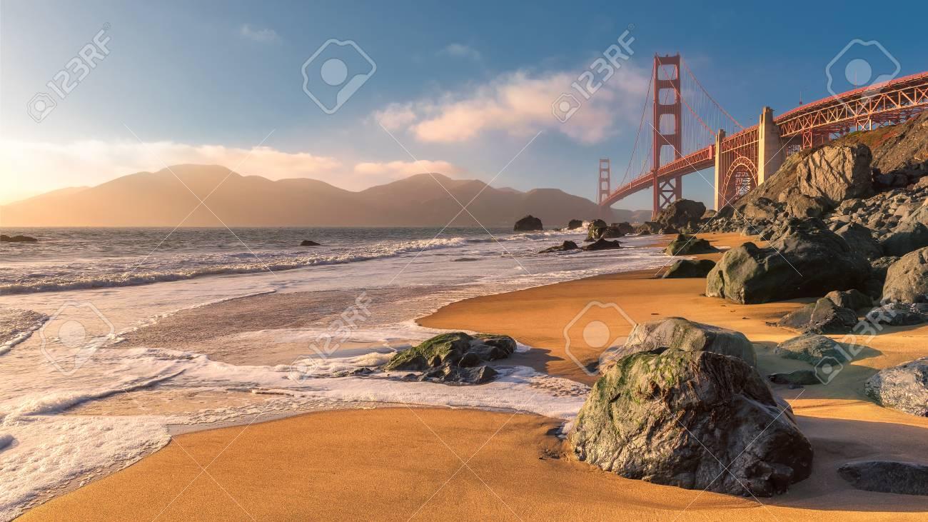 golden gate bridge de la plage de san francisco au coucher du soleil californie etats unis banque d images et photos libres de droits image 87173172