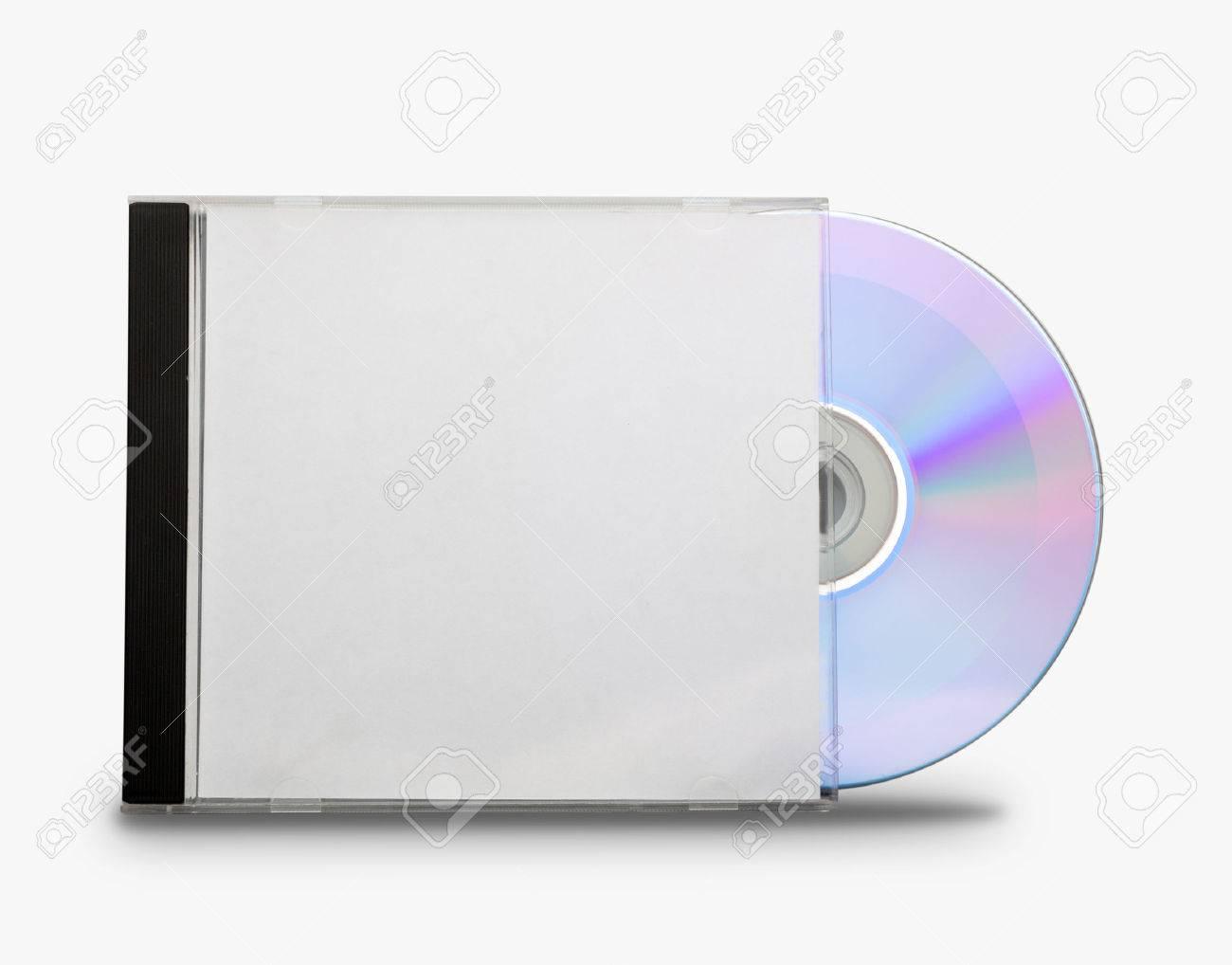 cd dans la boite ouverte sur blanc