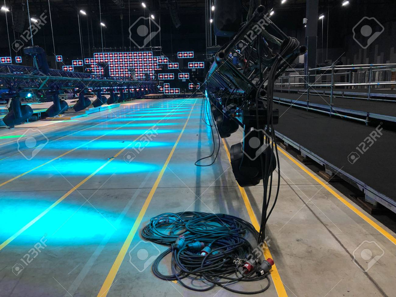 installation of professional sound light video and stage equipment
