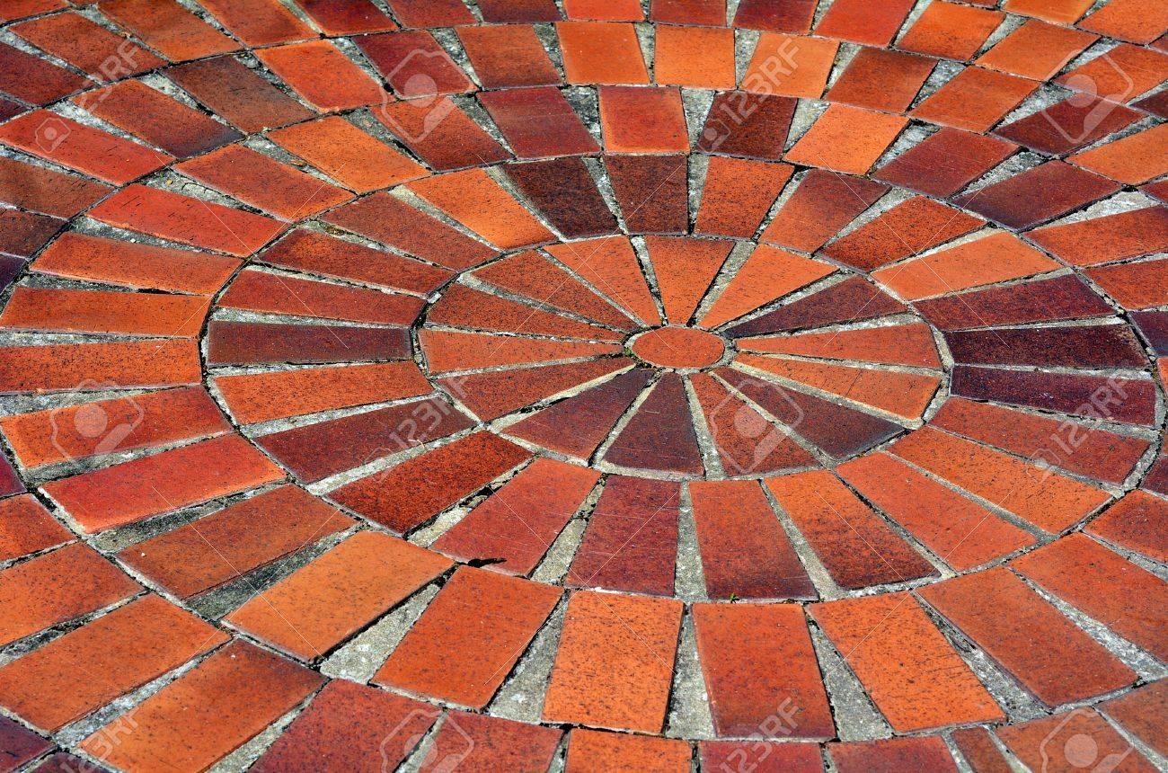 Carrelage Rouge En Forme De Spirale Exterieure Banque D Images Et Photos Libres De Droits Image 35412503