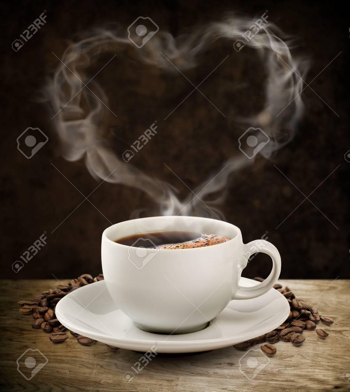 fumee douce cafe coeur avec chemin de detourage