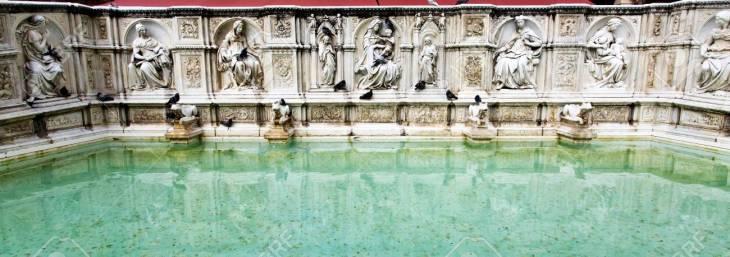 Fuente De La Alegría - Fuente De Mármol Medieval En Siena, Toscana ...