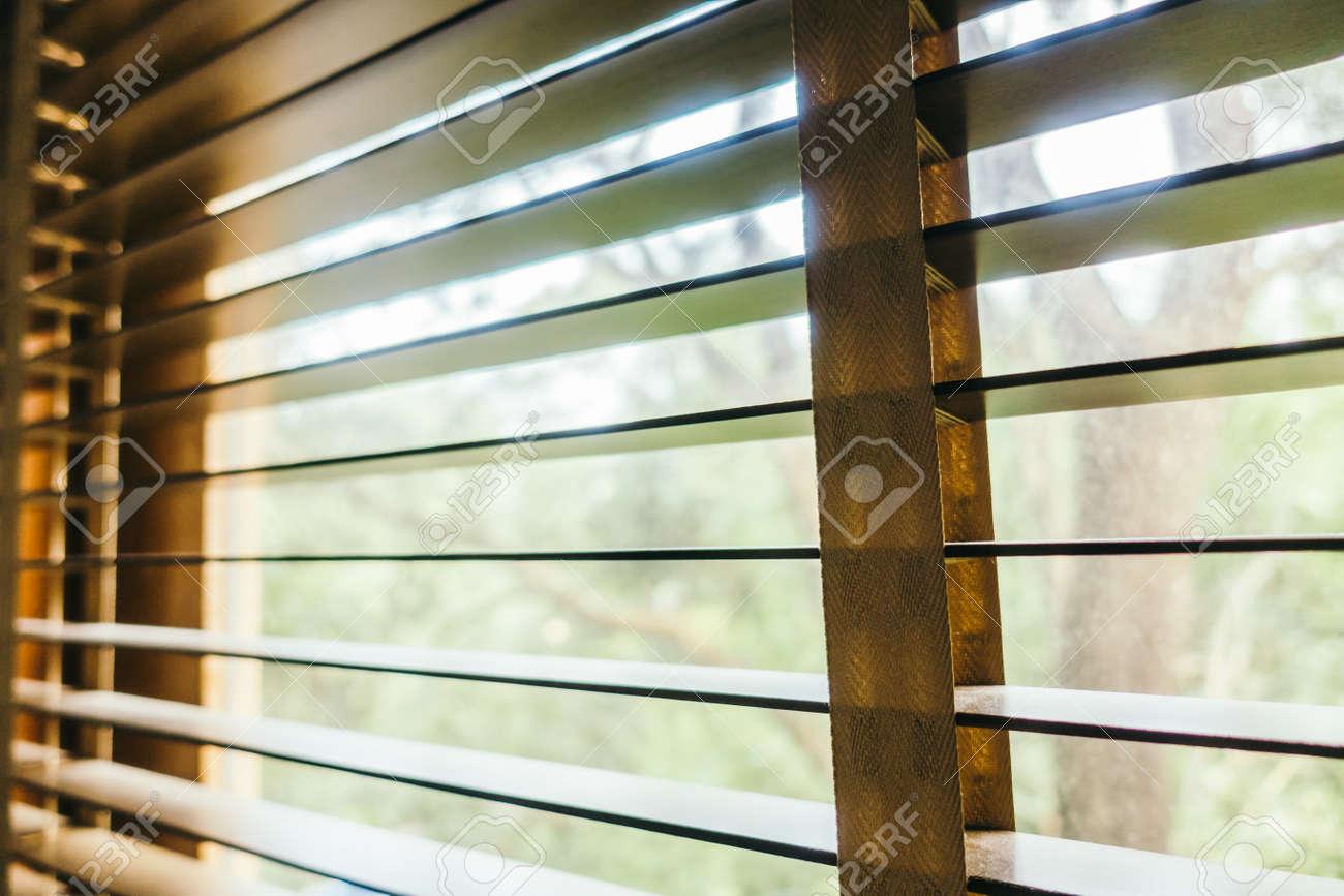 stores interieur fenetre de decoration de chambre filtre vintage banque d images et photos libres de droits image 51829689