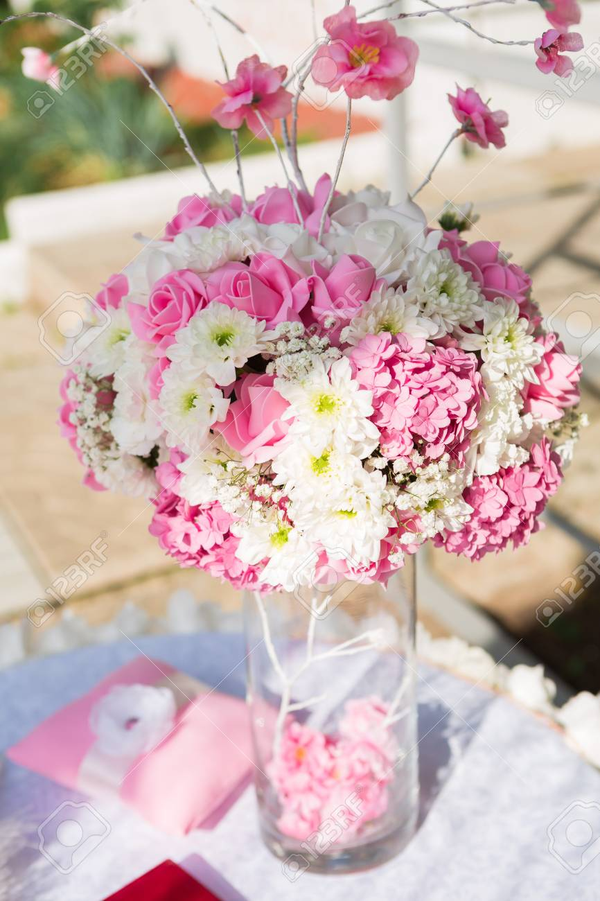 Wedding Decorations In Pastel White And Pink Colors