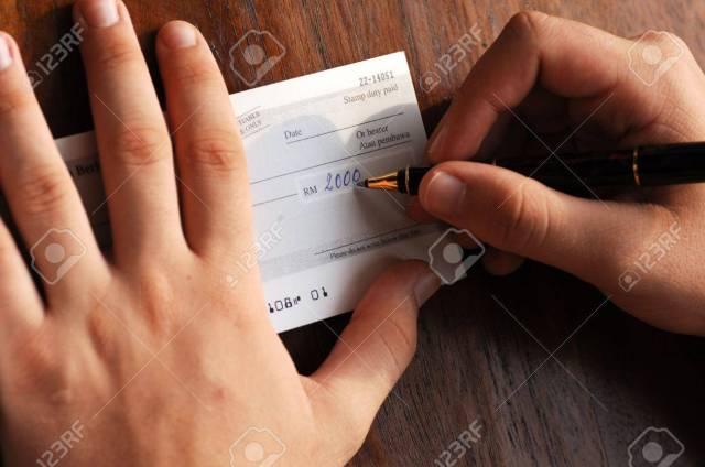Schreiben Einer Bank Prüfen, Zahlung Von Rechnungen Lizenzfreie