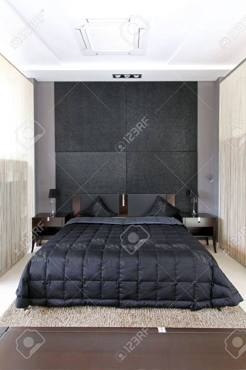 interieur moderne petite chambre avec grand lit double