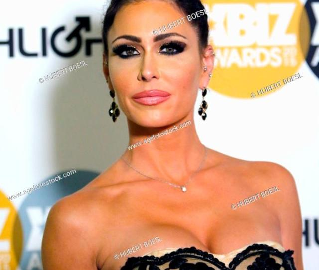 Foto De Stock Adult Film Actress Jessica Jaymes Arrives At The 2015 Xbiz Awards In Los Angeles Usa On  Photo Hubert Boesl No Wire