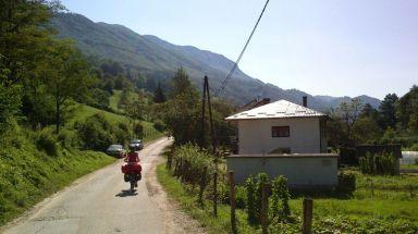 .. love this quiet road :)