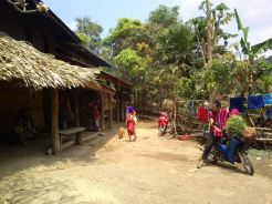Karen-hilltribe-village024
