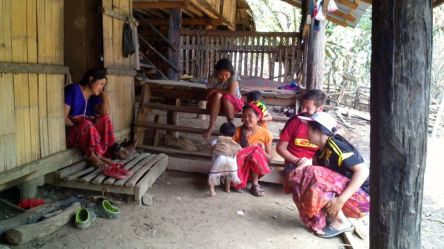 Karen-hilltribe-village041