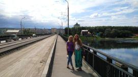 Vera and Nastya crossing the Tom river