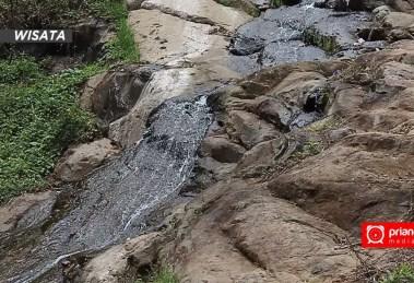 Batu Ngampar Potensi Wisata Terlupakan di Ciamis