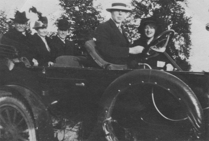 This image has an empty alt attribute; its file name is Price-Family-in-1911-Russell-Motor-Car.jpeg