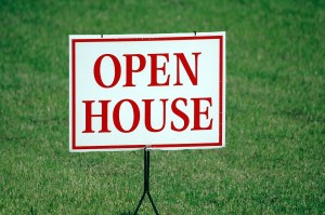 An open house sign