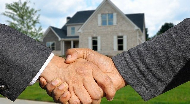 Purchasing deal - Make sure to close it only when you are well informed and when you have a buyer's guide to real estate trends in Indian Rocks Beach, FL.