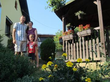 Goran i Marija sa srednjim sinom Pavlom
