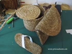 U ponudi su i čizmice od pustovane vune, ali i obuća sa dodatkom kože, jute, keper platna, pamuka i prirodnog ovčjeg krzna