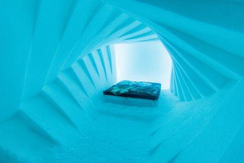 Krevet u ledenom hotelu / Foto: Miloš Terentić