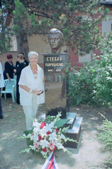 ... i spomenika Stevanu Raičkoviću