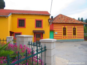 Zgrada medžlisa islamske zajednice, u kojem živi imam Sadmir Mustafić