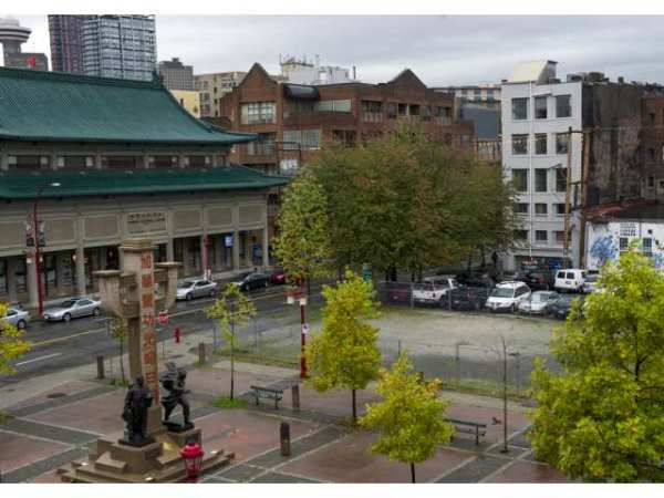 vancouver-october-15-2014-two-parking-lots-at-columbia