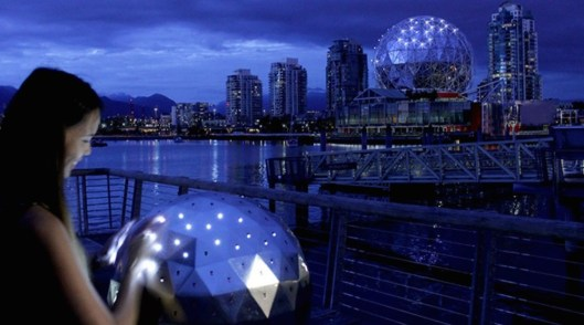 science-world-oh-orb-changing-lights-3