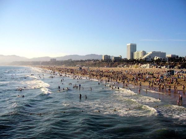 Santa_monica_beach_dehk