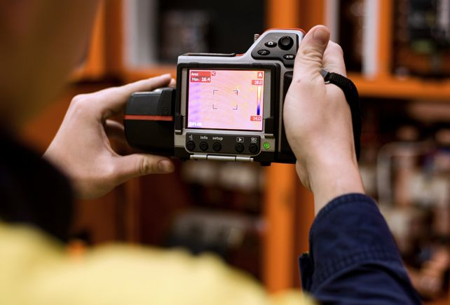 Using thermographic camera at work