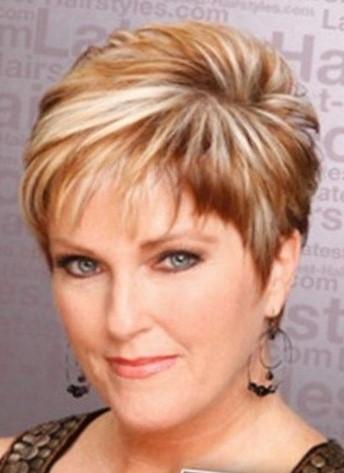 Стрижки на короткие волосы для женщин 50 лет - фото без ...