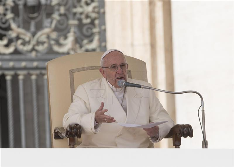 Papa osudio predrasude prema Romima