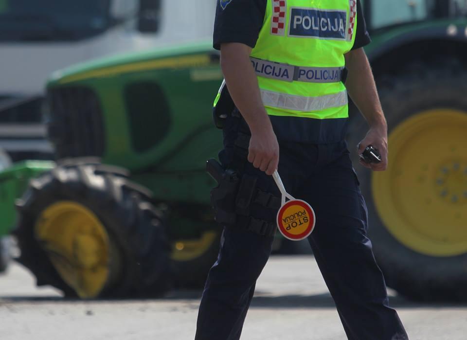 Vozači zavirili u čašicu pa ih je zaustavila policija