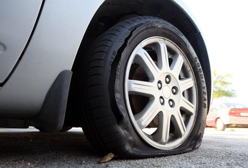 U Križevcima probušio gume na automobilu