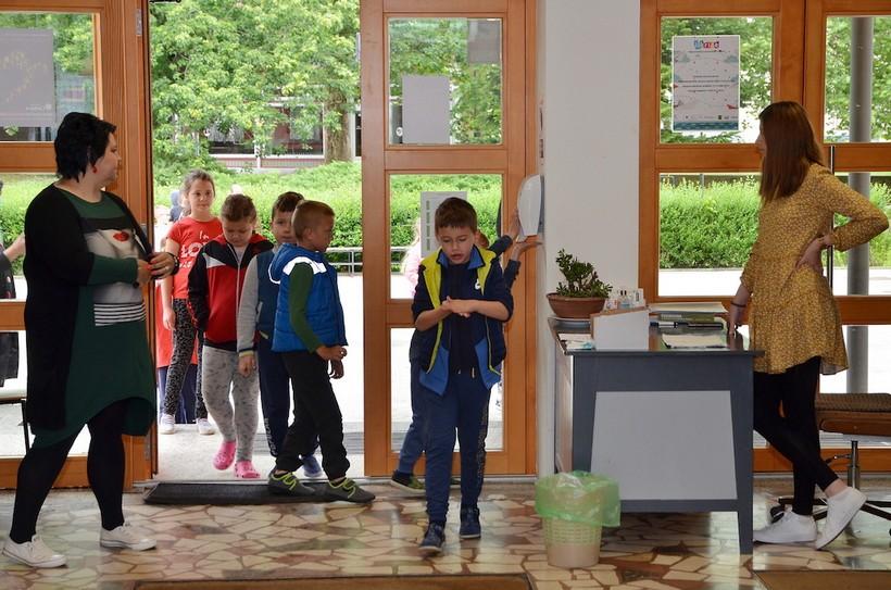 U Osnovnu školu Đurđevac vratilo se 250 osnovnoškolaca nižih razreda