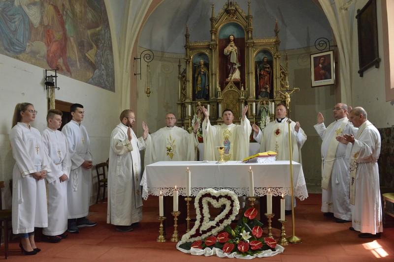 🖼️ Proslavljen blagdan zaštitnika župe Presvetog Srca Isusova u Malom Ravnu