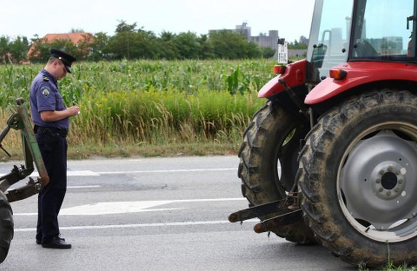 STRAŠNO Šestogodišnjak pao pod zadnji kotač traktora; liječnici se bore za njegov život