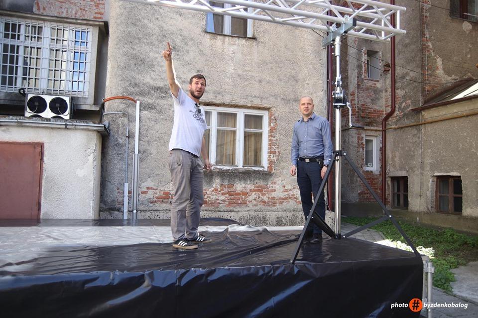 LJETO U DVORIŠTU Saša Lončarić predstavio programe u dvorištu Galerije K2