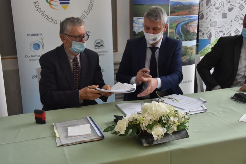Potpisan ugovor za početak radova na dogradnji koprivničke Obrtničke škole: 'Dobit ćemo nove učionice i laboratorije za 300-tinjak učenika'
