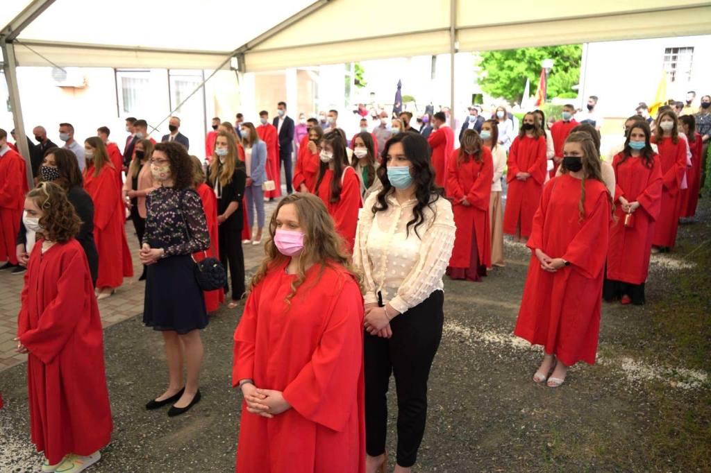SAKRAMENT KRIZME Prekrasan dan u životu mladih vrbovečkih vjernika