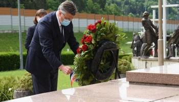 Plenković u Maclju: 'Osuda zločina i pijetet prema žrtvama jedini je putk zacjeljivanjurana iz prošlosti'
