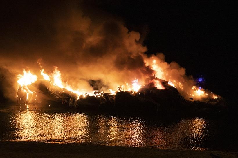 U požaru izgorjelo pet većih jahti