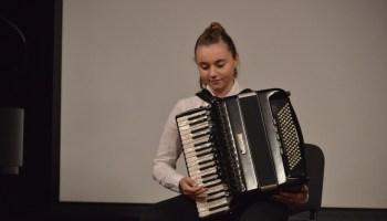 [VIDEO] DAN GRADA VRBOVCA Laura Radivojac, sjajna mlada harmonikašica