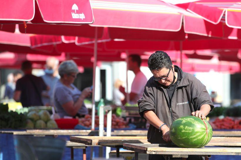 Prodaja lubenica na tržnici Dolac