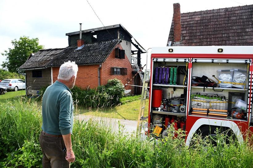 U požaru vikendice u Bjelovaru poginule dvije osobe