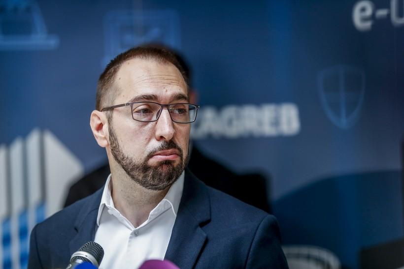 Tomašević najavio smanjenje plaća pročelnicima i naknada vijećnicima