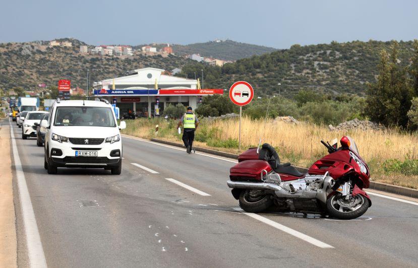 U sudaru vozača motocikala jedan je hitno prevezen u bolnicu